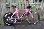 Peter-Berrisfords-hot-pink-bike-1024x682