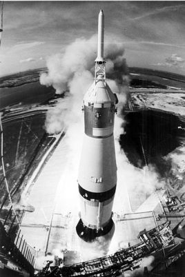 400px-apollo_11_launched_via_the_saturn_v_rocket-high_angle_view